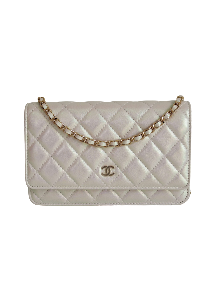 Bag CHANEL WOC Ivory Iridescent Lambskin Gold Hardware