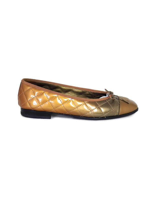 Ballet flats CHANEL Gold Patent Leather Size 37,5