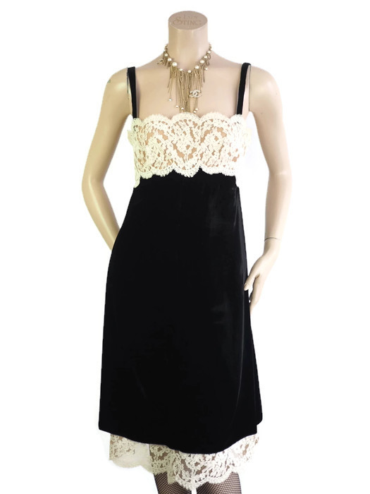Dress VALENTINO Black Velvet Lace Size L