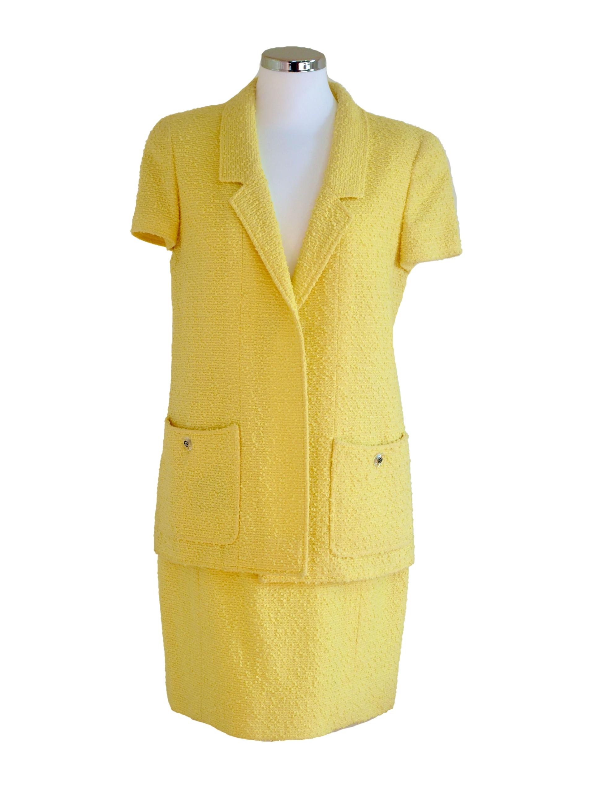 Suit CHANEL Yellow Boucle Size L
