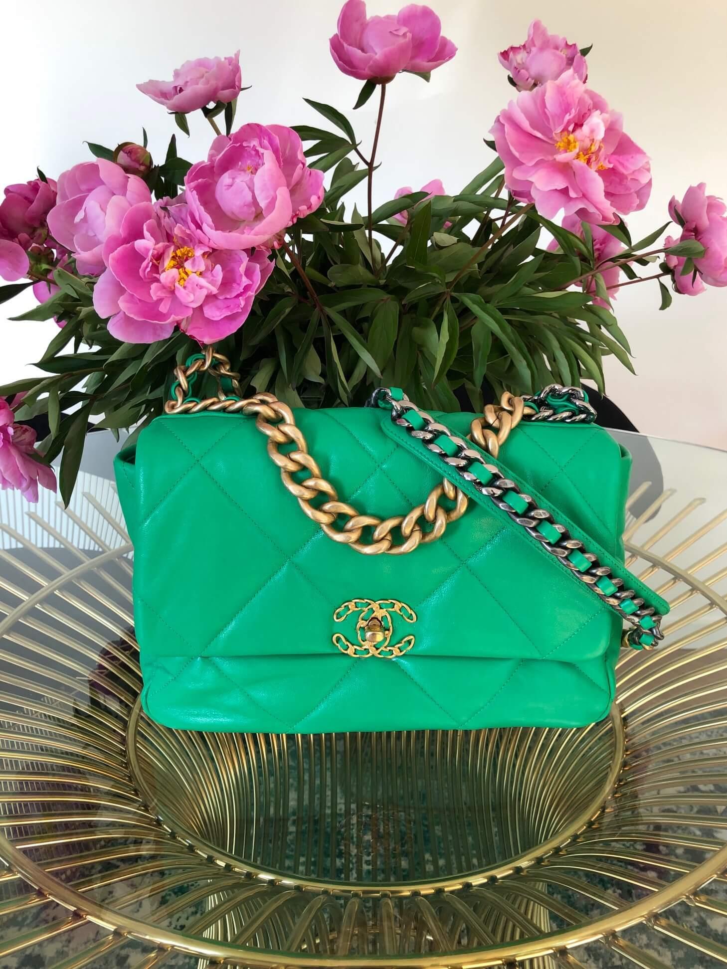 Bag CHANEL 19 Large Flap Green Lambskin Gold Ruthenium Hardware
